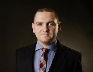 Piotr Furmaga spec black
